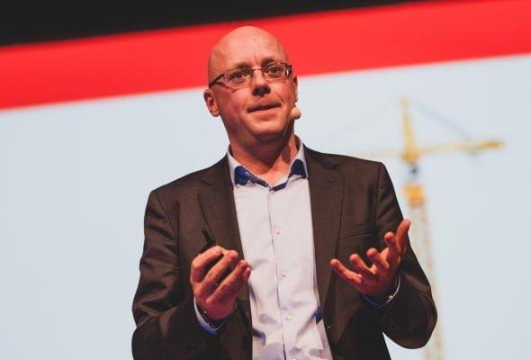 Patrik Nordkvist Föreläser Försäljningschefen Föreläsning om försäljning och tillväxtSmal